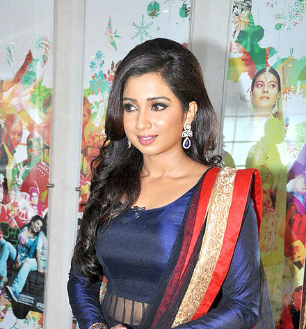 Ghoshal on the sets of Indian Idol Junior, 2013 Shreya Ghoshal Indian Idol Junior 1.jpg
