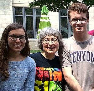 Joan Slonczewski - Photo of Joan Slonczewski with students