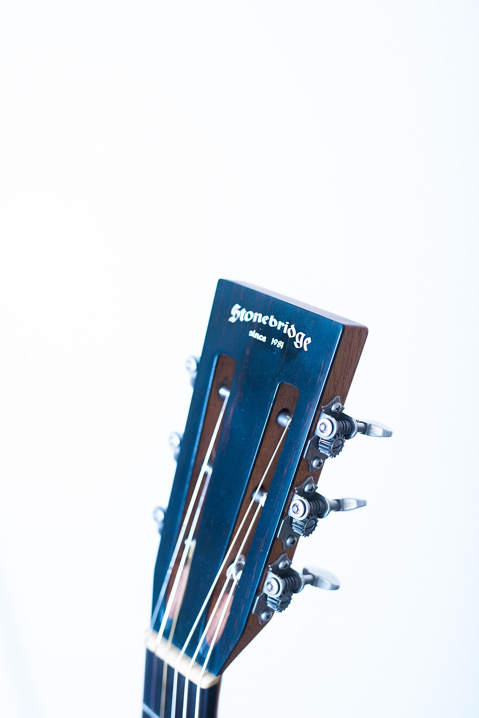 Slotted Headstock I.jpg