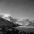 Snow around Llyn Ogwen (12430679475).jpg