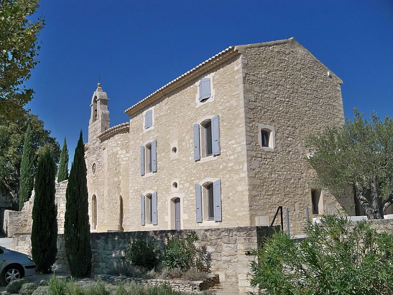 Mairie et église de Solérieux.