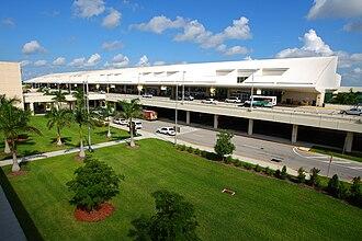 Southwest Florida International Airport - Image: Southwest Florida International Airport RSW