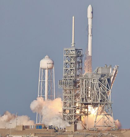 SpaceX SES-10 Launch !!! (32902656904).jpg