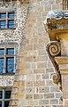 Spirale et fenêtres du château de Cordés (Puy-de-Dôme).jpg