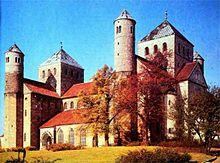 3.Moyen Âge dans Le Moyen Âge (476 - 1498) 220px-St_michaelis