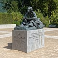 Statue de Marat au château de Vizille.jpg