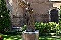 Statue of Catherine of Aragon, Alcala de Henares (2) (29371914426).jpg