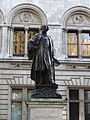 Statue of Henry Irving, London in 2015.JPG