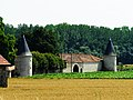 Taizé Auzay maison noble.JPG