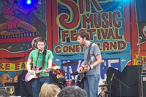 Tapes 'n Tapes - Performing at the Siren Music Festival in 2006