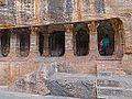 Temple troglodytique jaïn (Badami, Inde) (14146101078).jpg