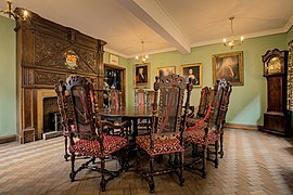 The Merchant Adventurers Hall Governors Parlour Room.jpg