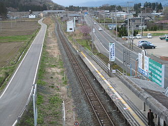 Shin-Hanamaki Station - The Kamaishi Line looking west from Shin-Hanamaki Station in  April 2013, showing the kink in the line where the former Yasawa Station used to be situated