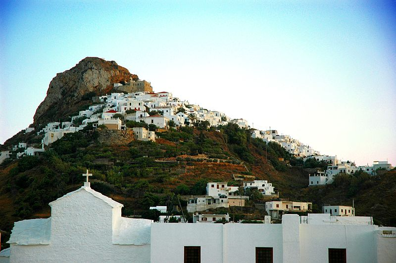Soubor:The town of Skyros island, Greece - panoramio.jpg