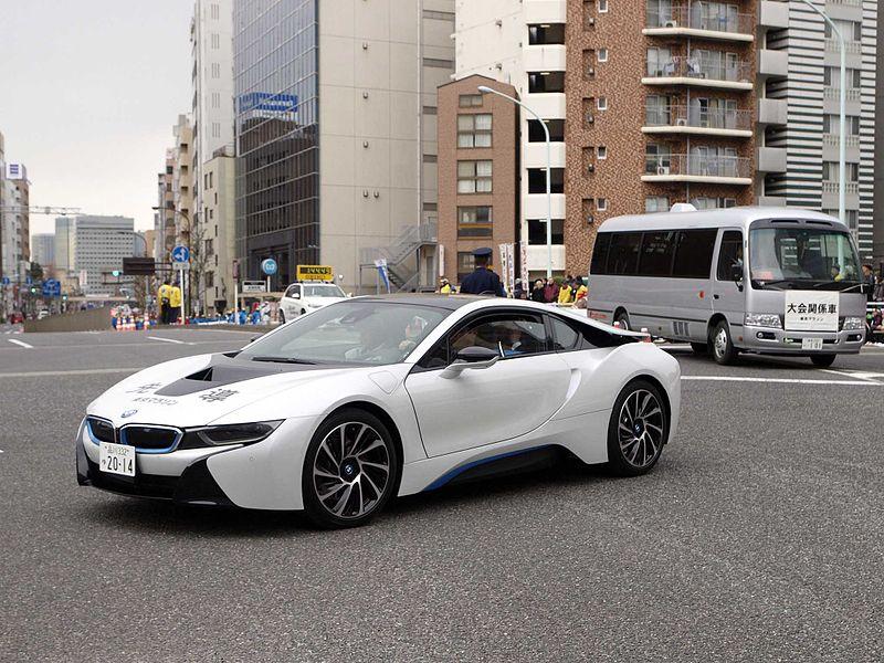 File:Tokyo Marathon 2014 Leading car BMW i8.jpg