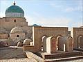 Tombes autour du mausolée Pakhlavan Makhmoud (Khiva, Ouzbékistan), (5596952207).jpg