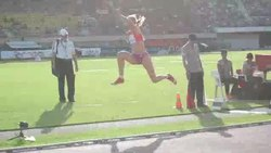 File:Triple jump Athletissima 2012.ogv