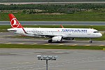 Turkish Airlines, TC-JTH, Airbus A321-231 (35542506511).jpg
