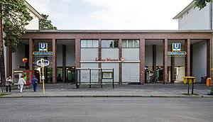 Onkel Toms Hütte (Berlin U-Bahn) - Image: U Bahnhof Onkel Toms Hütte, Entry Riemeisterstraße