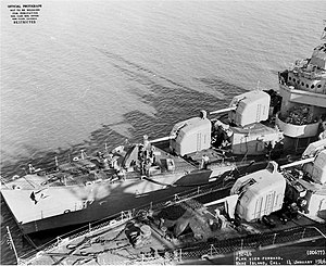 USS McDermut (DD-677) and USS Howorth (DD-592) at the Mare Island Naval Shipyard, California (USA), on 14 January 1946