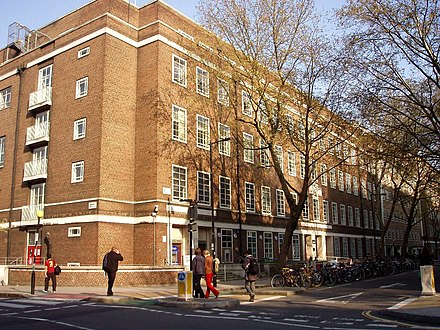 The main building of the University of London Union (now rebranded as 'Student Central, London') University of London Union, Malet Street, London-22April2008.jpg