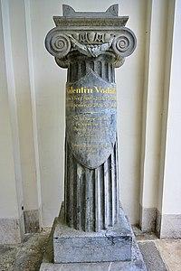 Valentin Vodnik nagrobnik.jpg