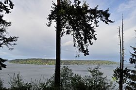 Vashon Island from Point Defiance Park 01.jpg