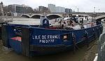 Vedette de la Police Fluviale - L'Ile de France à quai.jpg
