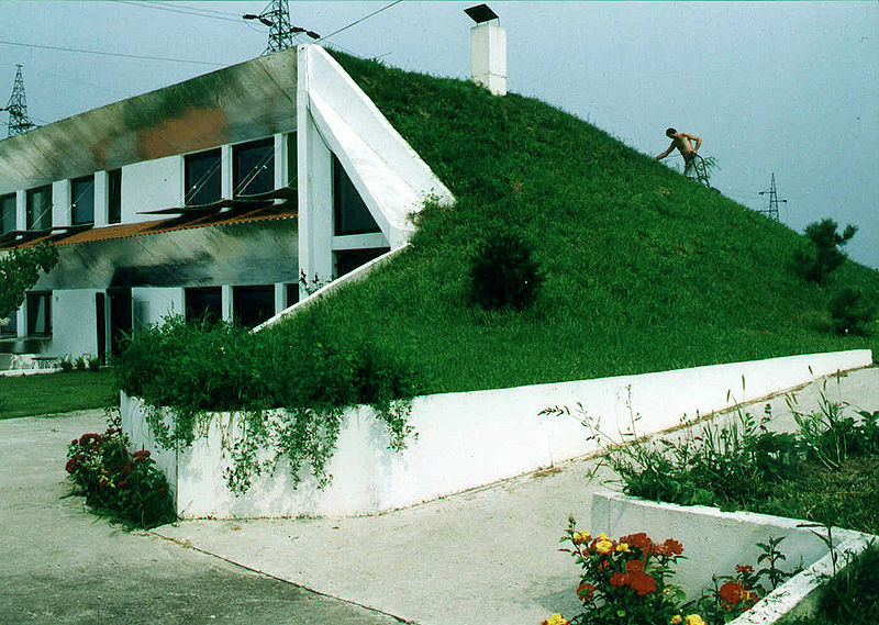 파일:Veljko Milkovic eco-house.jpg