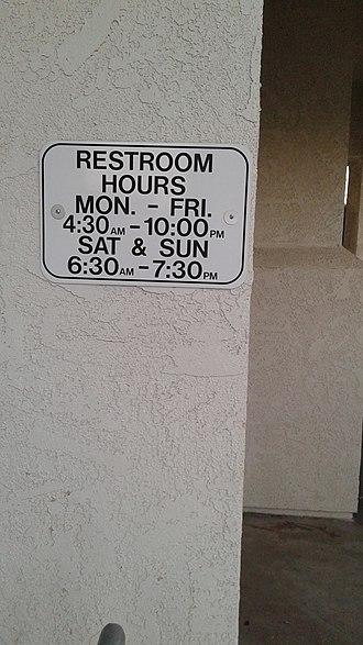Via Princessa station - Via Princessa metrolink station bathroom hours