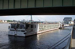 Viking Idun (ship, 2012) 004.jpg