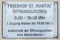 Villach Sankt Martin Friedhof Tafel mit Öffnungszeiten 20082019 7002.jpg