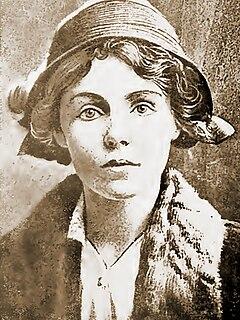 Violetta Thurstan nurse and weaver