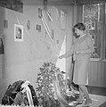 Wederopenstelling van het gerestaureerde Anne Frankhuis de kamer van Anne Frank, Bestanddeelnr 911-2119.jpg