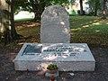 Weimar Hauptfriedhof Grabstein Reinhard Scheer 02.JPG