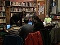 Wiktionnaristes wiktionnarisant lors de permanence du Wiktionnaire de février 2019 au Kotopo.jpg