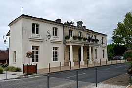 The town hall in Yvrac