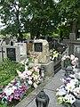 Zabytkowe groby na cmentarzu w Jazgarzewie 1.jpg