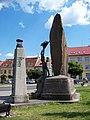 Zbraslavské náměstí, pomník.jpg