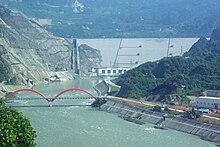 Dujiangyan.jpg ait Zipingpu Baraj Kuzey