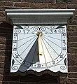 Zonnewijzer aan de Hervormde kerk in Ottoland.jpg