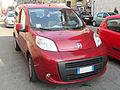 ' 08 - ITALY - Fiat Qubo rosso milano.jpg