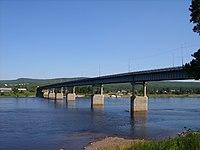 Автомобильный мост через реку Алдан в Томмоте.JPG
