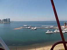 Амурский залив Владивостока, набережная.JPG