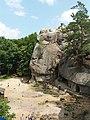 Вхід до печер (Скелі Довбуша).jpg