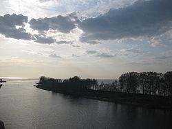 Облака над рекой.JPG