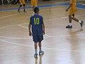 אופק זיו במדי מכבי מוצקין במשחק גמר גביע המדינה לכיתות ז' שהתרחש בשנת 2012 2013-06-08 23-14.jpg
