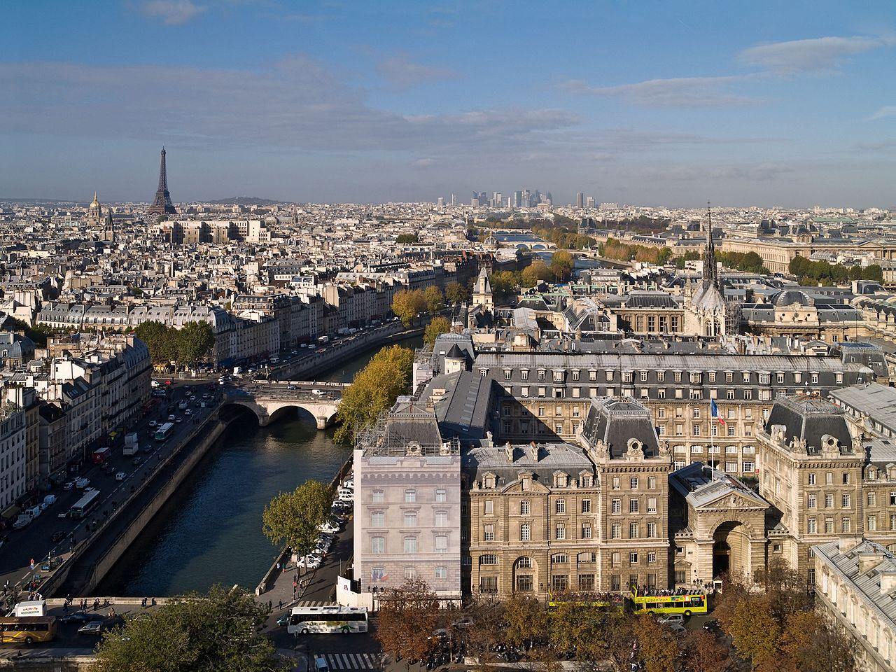 1280px-01_vue_Paris_depuis_Notre-Dame.jpg