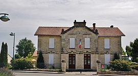 The town hall in Saint-Laurent-des-Combes