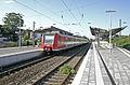 05214 DB 425 556 Rhein-Hellweg-Express Ausfahrt Bf Rheinhausen.JPG
